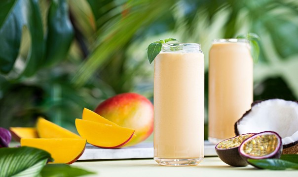 VEGAN DELIGHT MANGO AND PASSION FRUIT SMOOTHIE